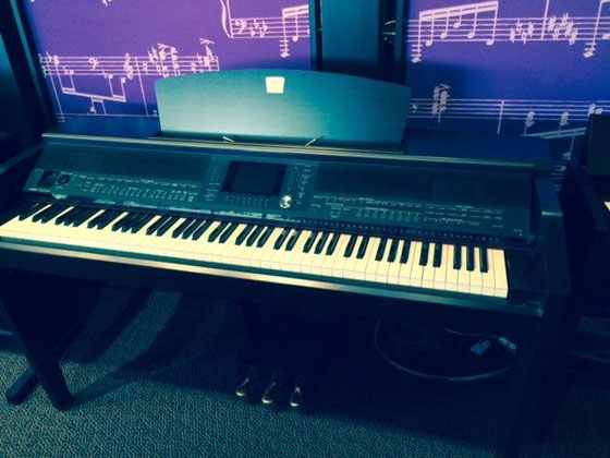 Used yamaha clavinova 505 rosewood digital piano for sale for Used yamaha clavinova cvp for sale