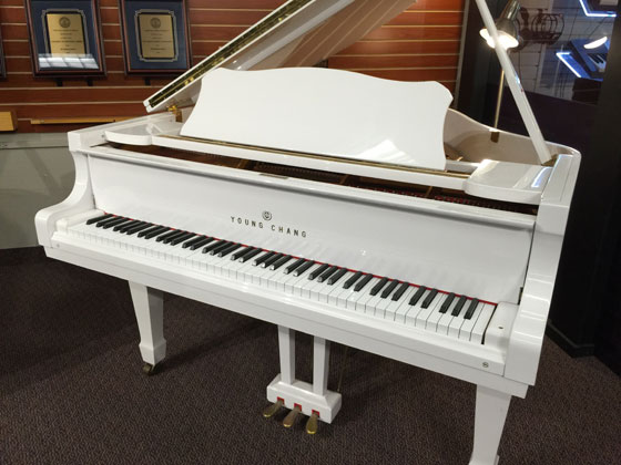 Used young chang snow white baby grand piano schmitt music for White yamaha piano