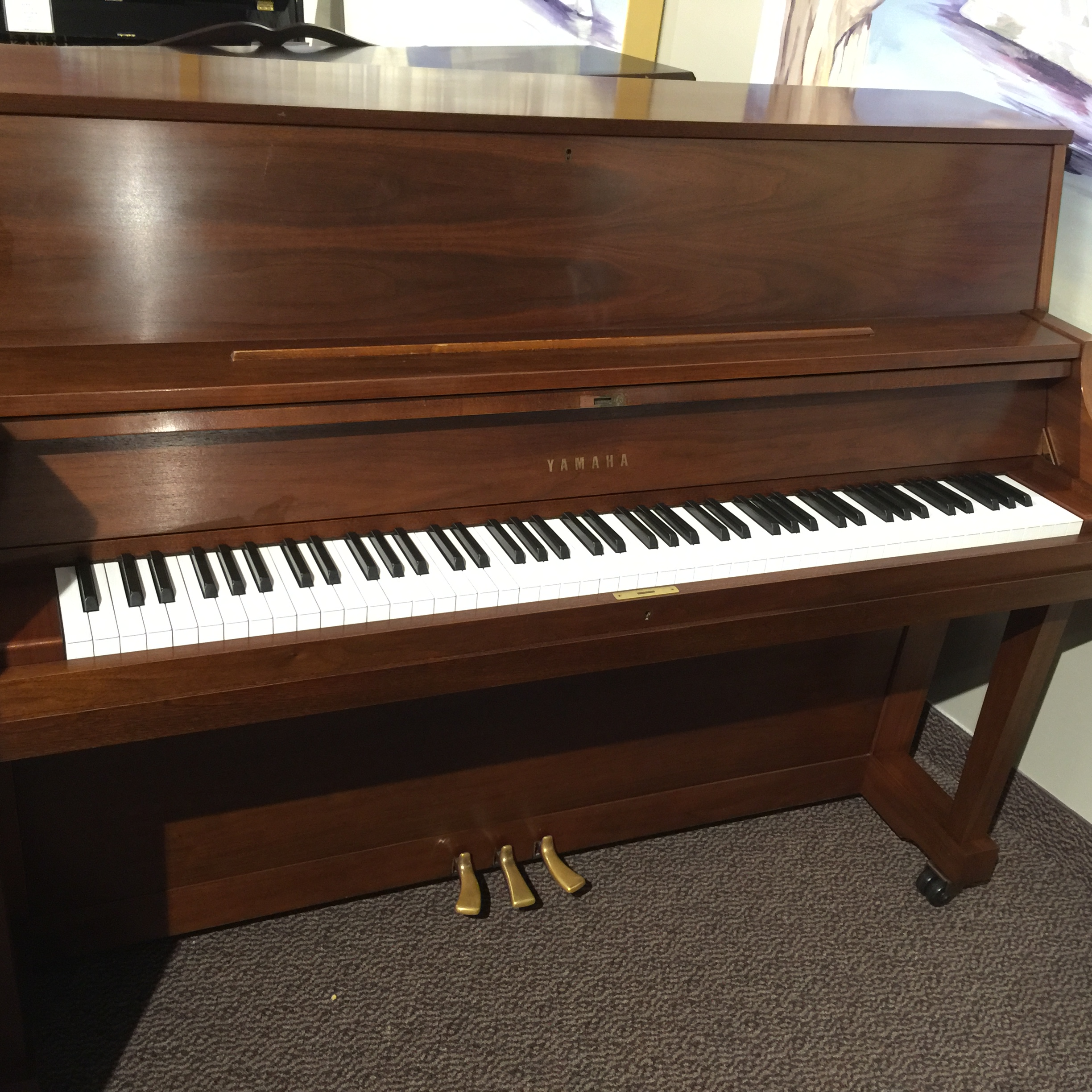 used yamaha p22 studio piano schmitt music