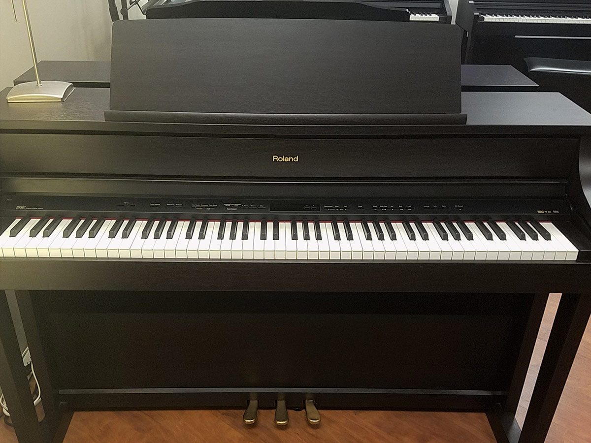 used roland hp 507 rosewood digital piano schmitt music. Black Bedroom Furniture Sets. Home Design Ideas