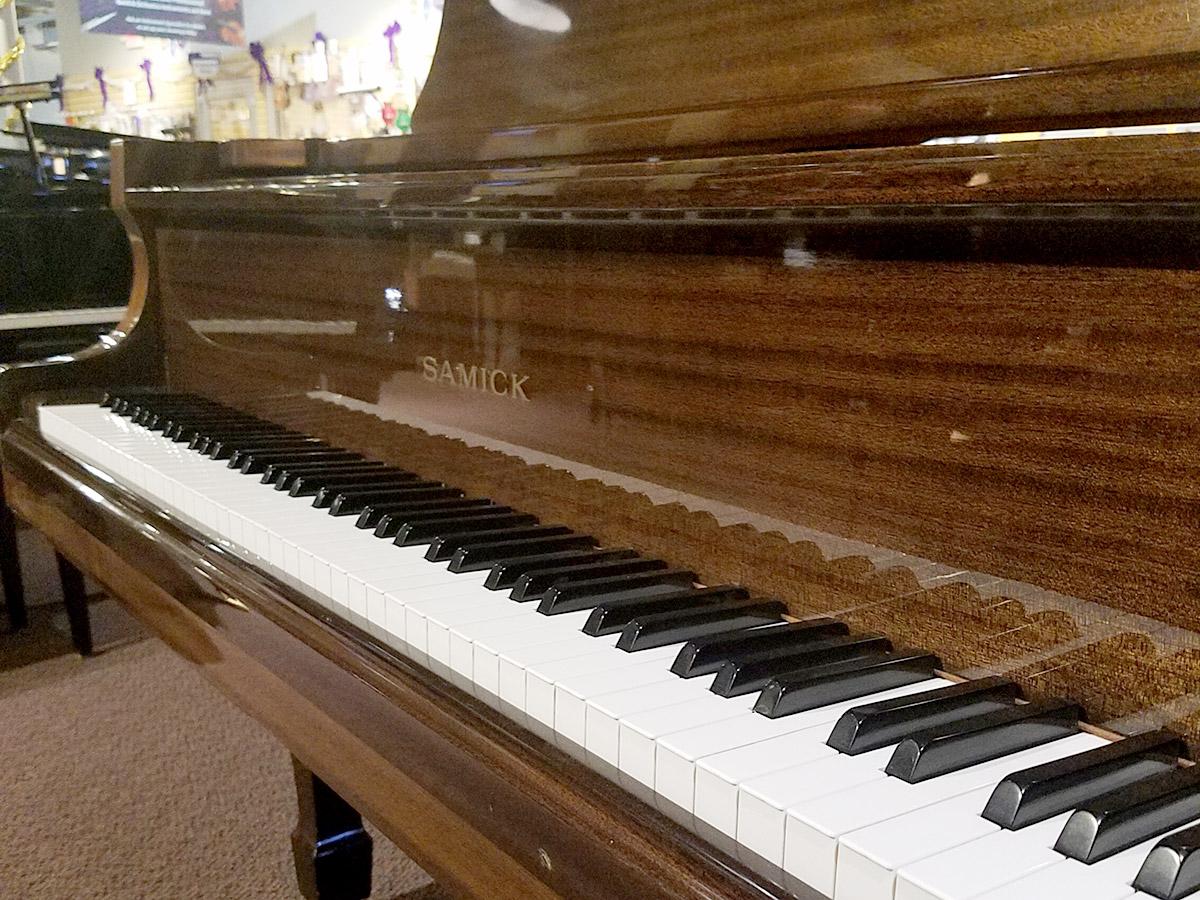 """Used Samick G-1A 5'1"""" Brown Mahogany Grand Piano"""