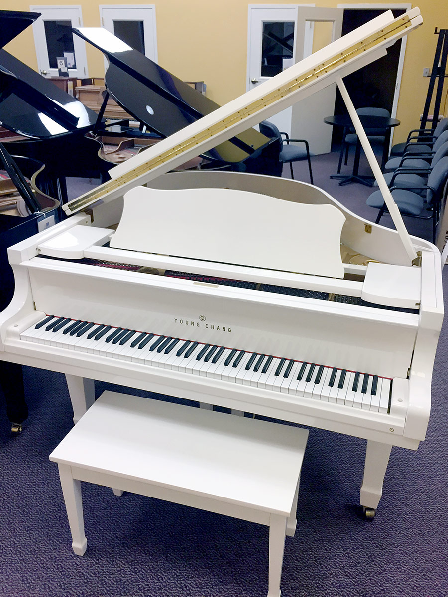 Used Young Chang 5 2 Quot High Polished White Baby Grand Piano Schmitt Music