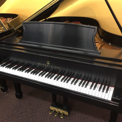 "Used Steinway L 1998 5'11"" Ebony Satin Grand Piano"