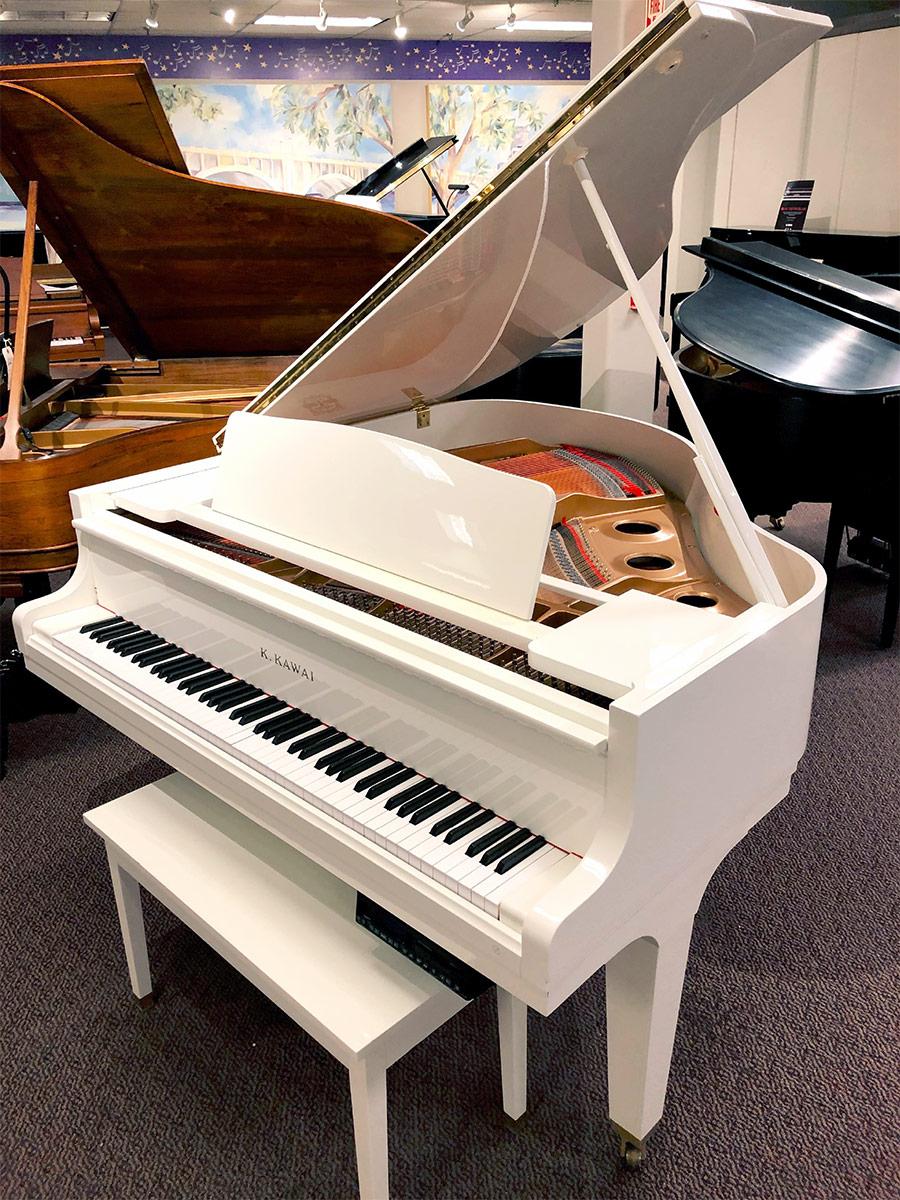 """Used Kawai GE-1 5'1"""" Snow White Grand Piano"""